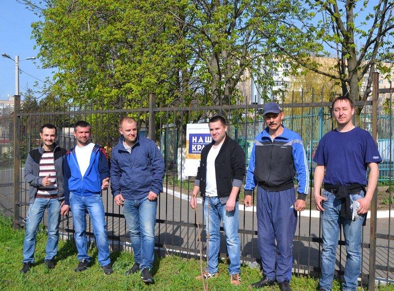 Ильичевск стал богаче на 70 клёнов (фото) - фото 1