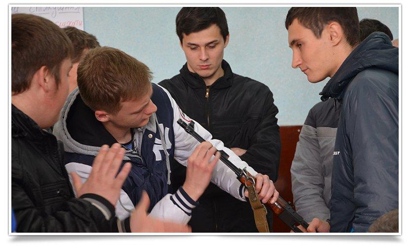 Гражданская самооборона Славянска провела открытую встречу, темой была разборка-разборка орудия (фото) - фото 5