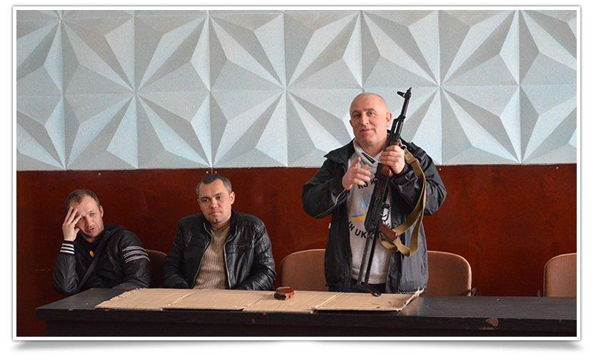 Гражданская самооборона Славянска провела открытую встречу, темой была разборка-разборка орудия (фото) - фото 2