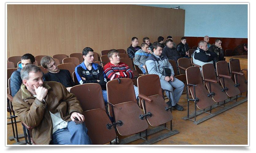 Гражданская самооборона Славянска провела открытую встречу, темой была разборка-разборка орудия (фото) - фото 3