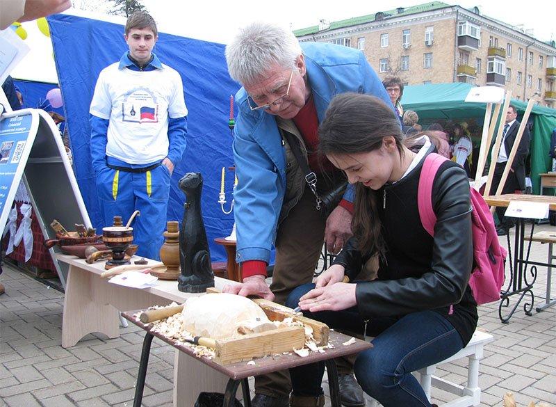 Белгородским школьникам продемонстрировали преимущества  рабочих профессий (фото) - фото 1