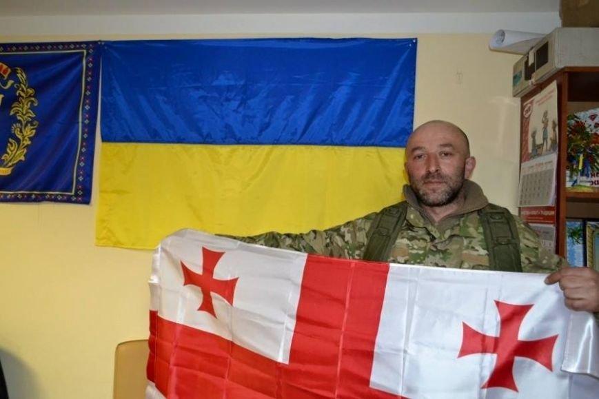 Боевики заминировали тело погибшего под Широкино добровольца «Азова» (фото) - фото 1