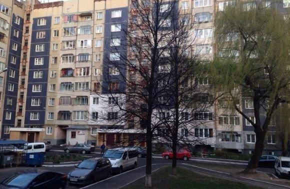 У Львові на Сихові молодий чоловік випав з вікна (ФОТО) (фото) - фото 1