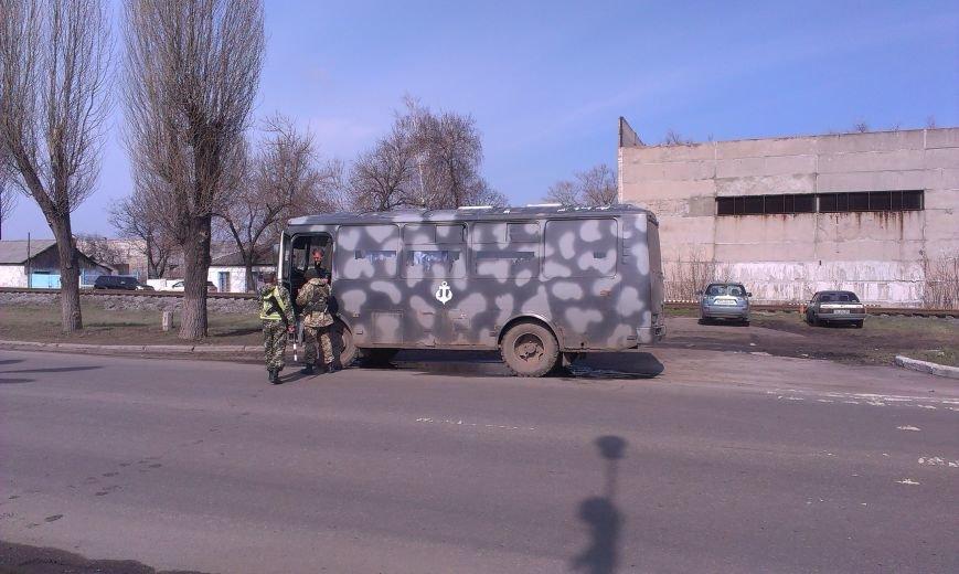 Безопасность на Димитровских дорогах обеспечивают автоинспекторы и военнослужащие (фото) - фото 1