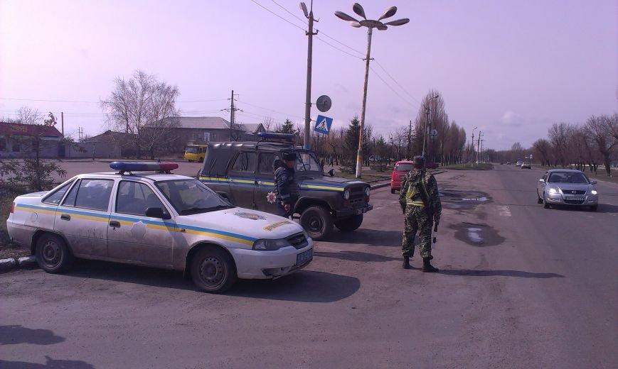Безопасность на Димитровских дорогах обеспечивают автоинспекторы и военнослужащие (фото) - фото 2
