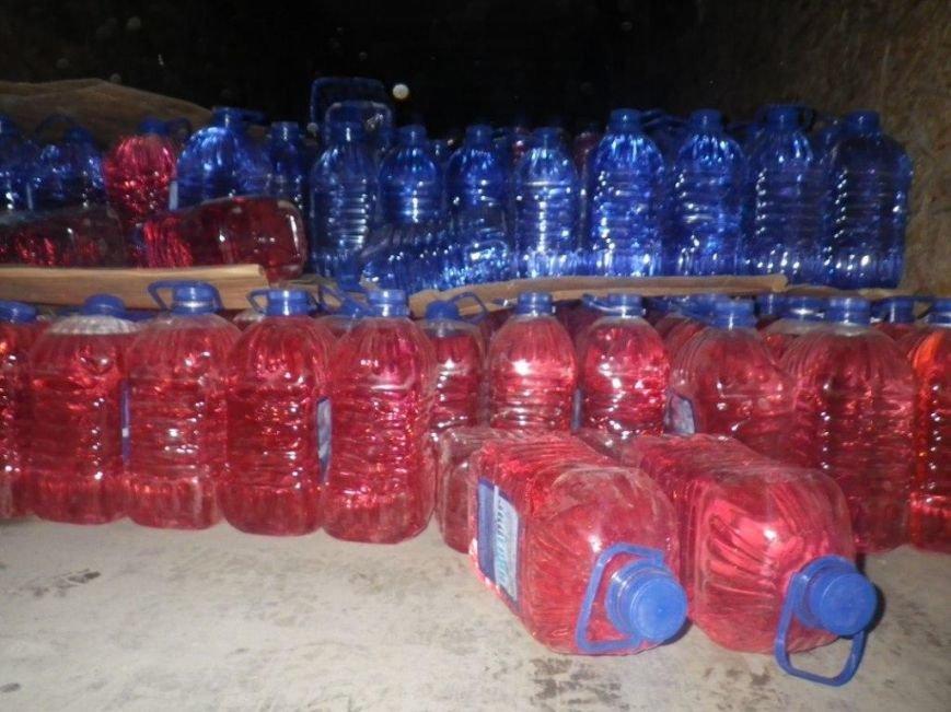 Херсонские пограничники остановили контрабанду спирта (фото) - фото 1