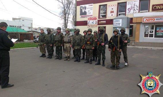 Накануне поминального дня в Авдеевке состоялся инструктаж местных и приданных сил милиции (фото) (фото) - фото 1