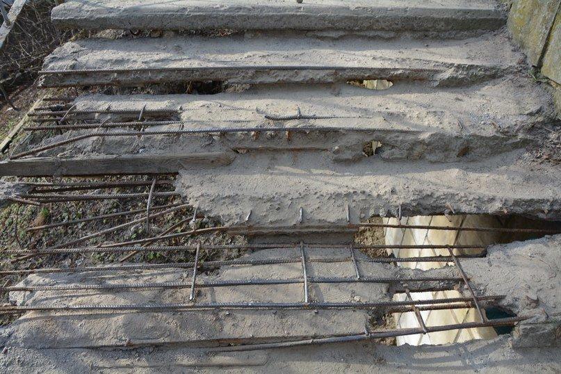 У Львові є небезпечні для життя сходи, якими щодня вимушені ходити сотні людей (ФОТОРЕПОРТАЖ) (фото) - фото 4