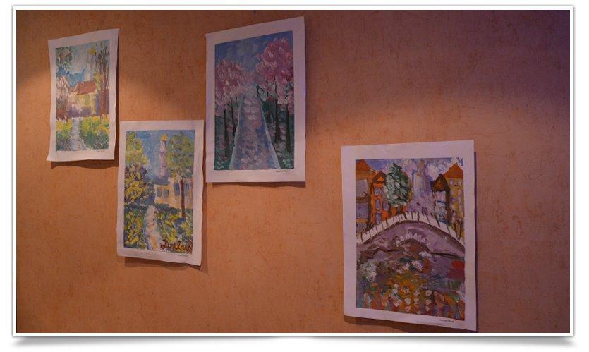 В Славянске открылась благотворительная выставка детского рисунка (фотофакт) (фото) - фото 2