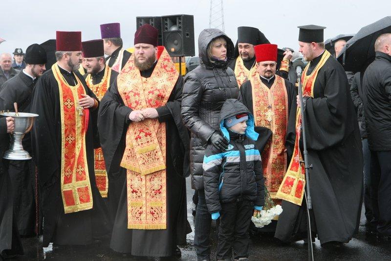 На Днепропетровщине открыли Мемориал погибшим участникам АТО (фото) - фото 2