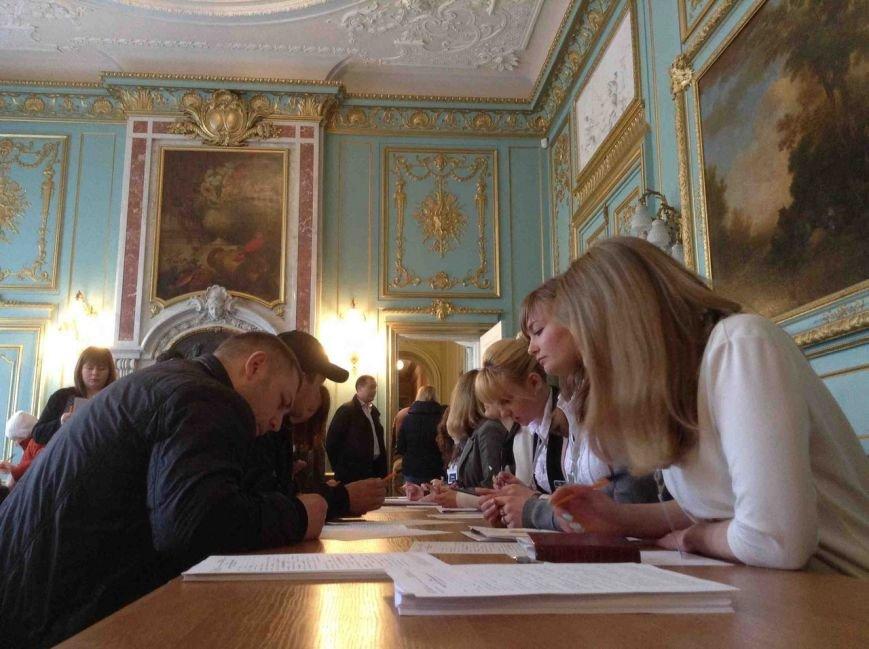 Львів'яни реєструються в нову патрульну службу (ФОТО) (фото) - фото 1