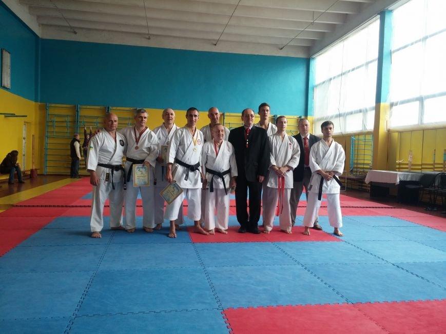 Бердянцы участвовали в Открытом чемпионате по карате (фото) - фото 1