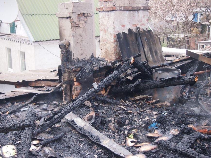 В Баглейском районе Днепродзержинска горел частный дом (фото) - фото 5
