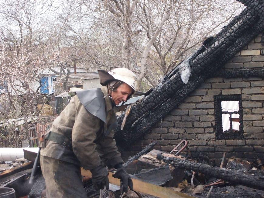 В Баглейском районе Днепродзержинска горел частный дом (фото) - фото 4