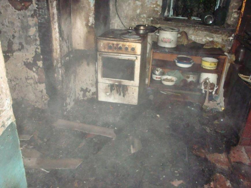 В Запорожской области соседи вытащили из огня женщину и 4 детей (ФОТО) (фото) - фото 1