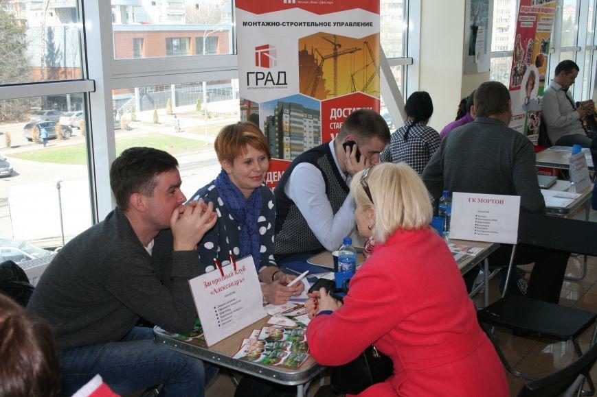 22 апреля в Троицке прошла очередная ярмарка вакансий, где соискатели смогли познакомиться с предложениями местных работодателей (ФОТО), фото-6