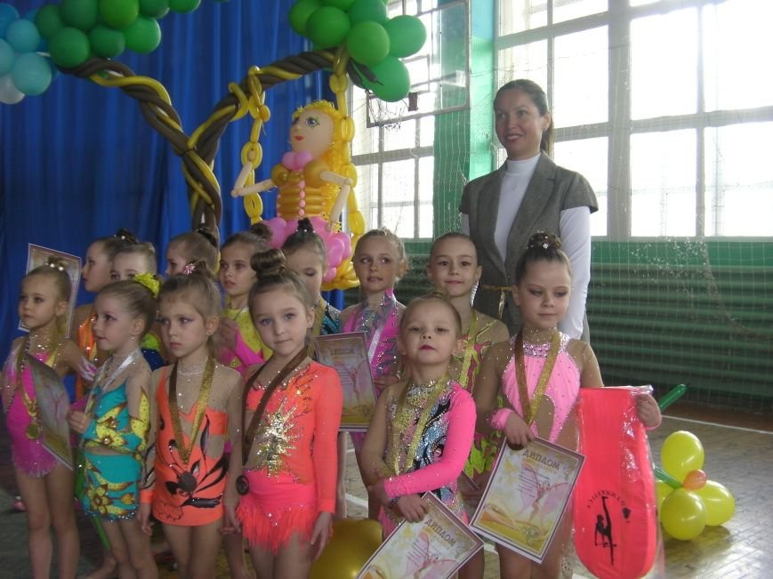 Бердянские гимнастки приняли участие в турнире «Золотая фея» (фото) - фото 1