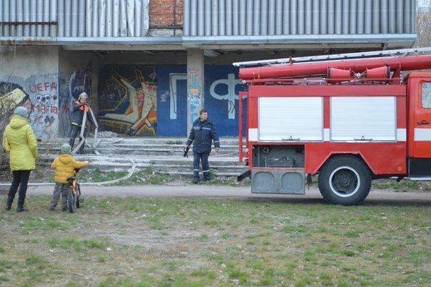 В Сумах загорелся кинотеатр (ФОТО) (фото) - фото 1