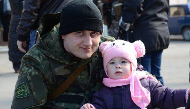 Півсотні бійців батальйону «Тернопіль» поїхали в зону АТО (фото) (фото) - фото 2