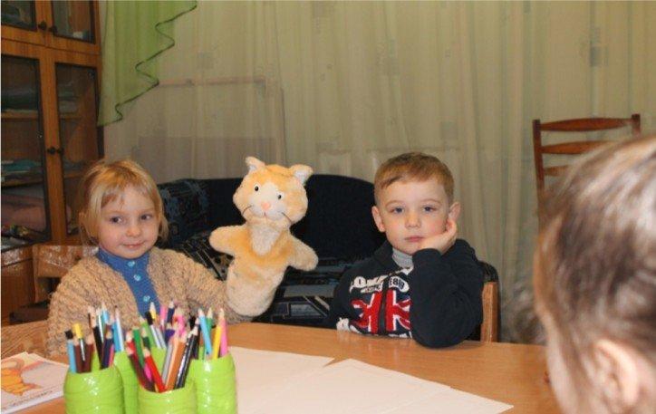 Травмы войны: в Димитрове с детьми-переселенцами и их родителями работают психологи (фото) - фото 11