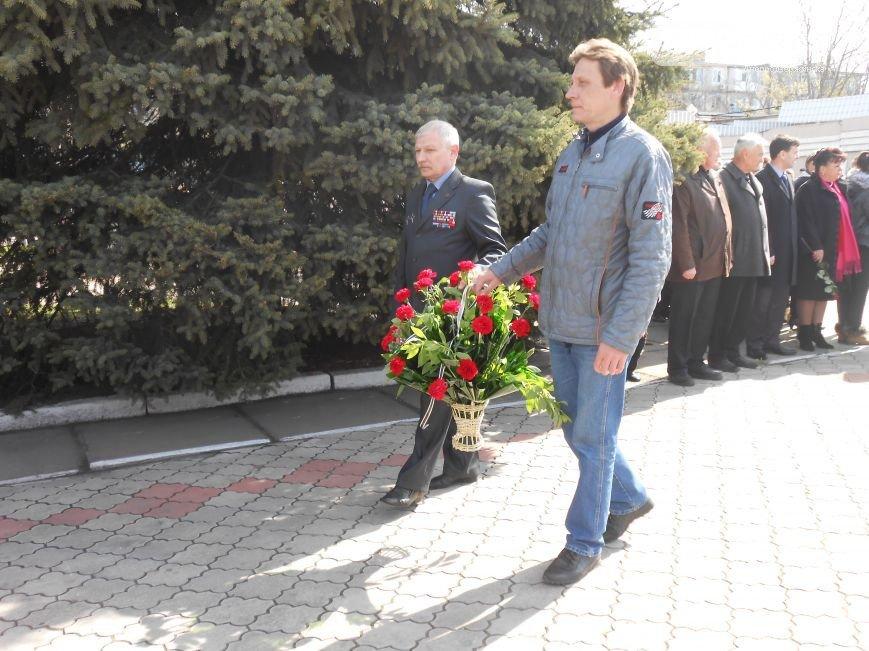Днепродзержинцы отдали дань памяти жертвам Чернобыльской катастрофы (фото) - фото 14