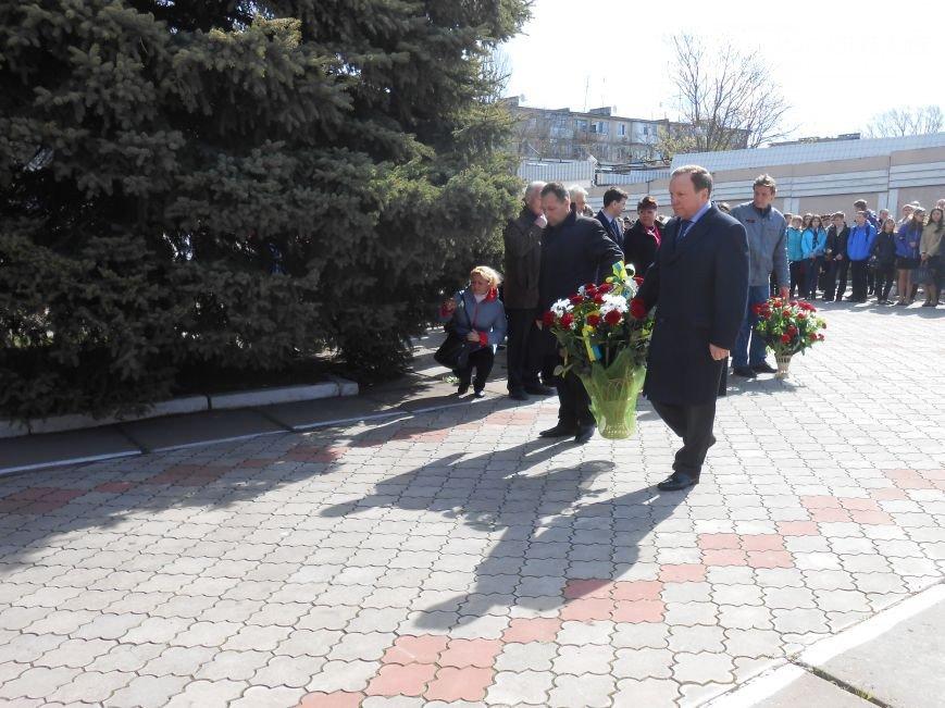 Днепродзержинцы отдали дань памяти жертвам Чернобыльской катастрофы (фото) - фото 13