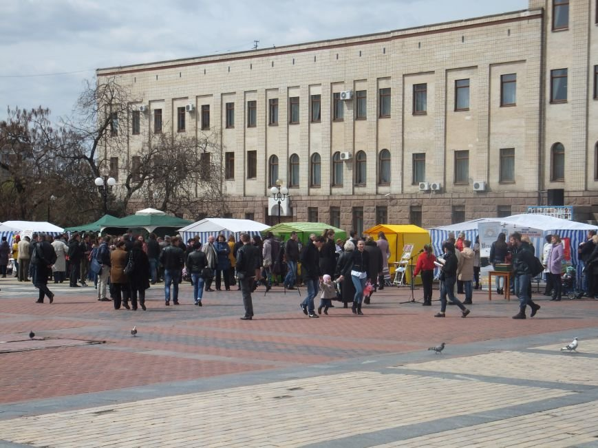 У Кіровограді відкрилась книжкова виставка-ярмарок «Весняний книговир». ФОТО (фото) - фото 1