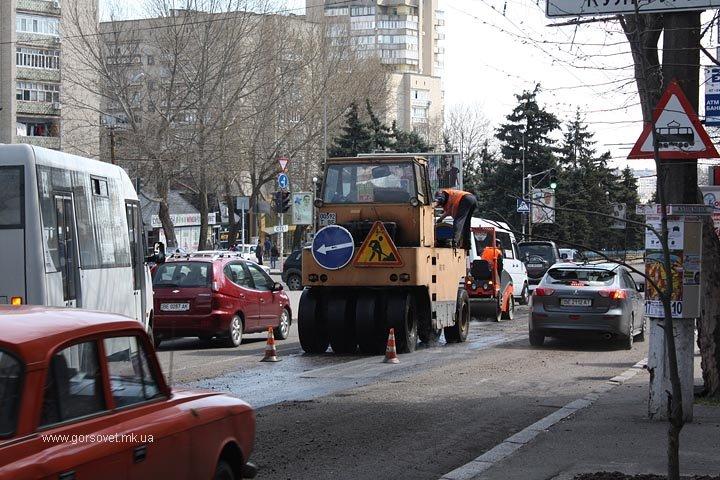 У николаевских коммунальщиков дошли руки до Херсонского шоссе (ФОТО) (фото) - фото 6