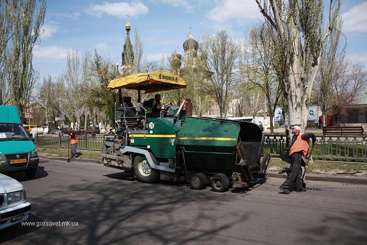 У николаевских коммунальщиков дошли руки до Херсонского шоссе (ФОТО) (фото) - фото 1