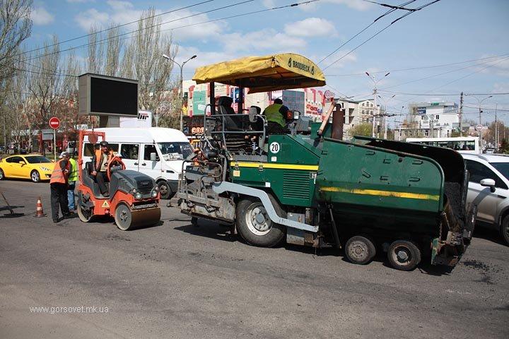 У николаевских коммунальщиков дошли руки до Херсонского шоссе (ФОТО) (фото) - фото 4