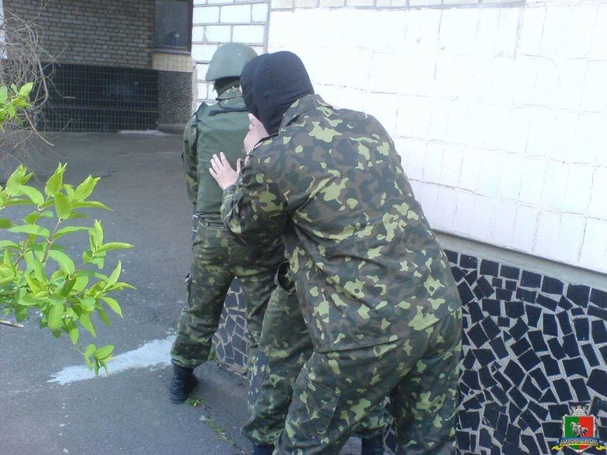 Криворожские активисты освободили школьников из плена «террористов» (ФОТО) (фото) - фото 1