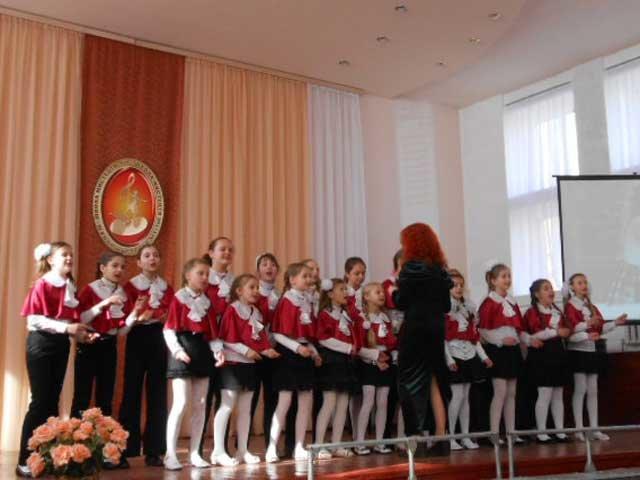 В Макеевке прошел фестиваль хоровой и вокальной музыки «Весенний Благовест» (фото) - фото 4