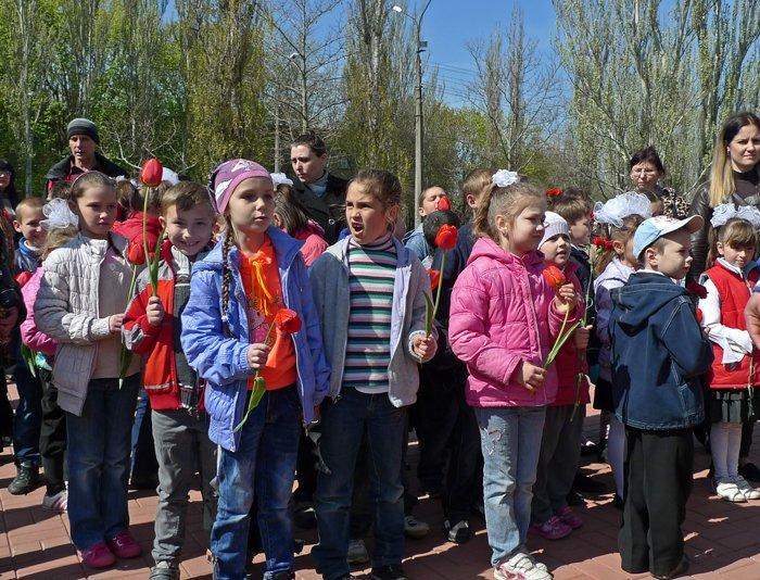 «Скорбящий Ангел Чернобыля» в Николаеве собрал горожан на митинг-реквием (ФОТОРЕПОРТАЖ) (фото) - фото 10