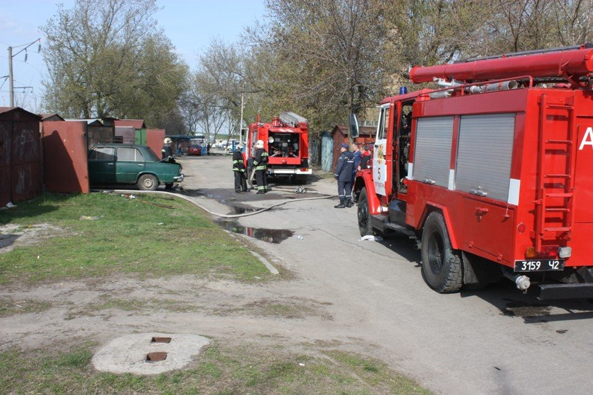 У Кіровограді горів гараж, фото-2