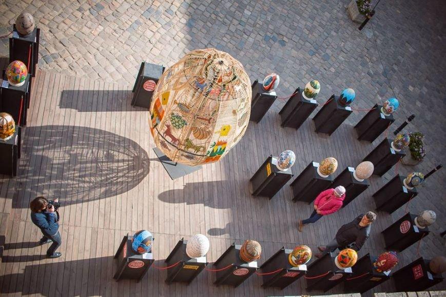 На Фестивалі писанок небайдужі львів'яни зібрали гроші на обладнання в дитячу лікарню (ФОТОРЕПОРТАЖ) (фото) - фото 1