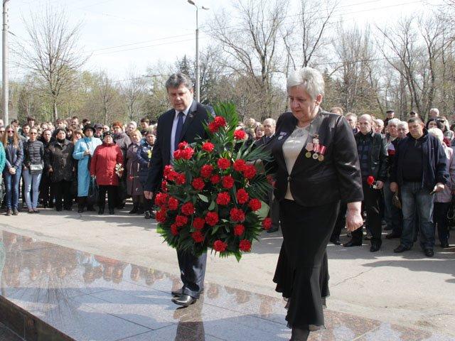 В Макеевке состоялись памятные мероприятия по случаю 29-й годовщины со дня аварии на ЧАЭС (фото) - фото 1