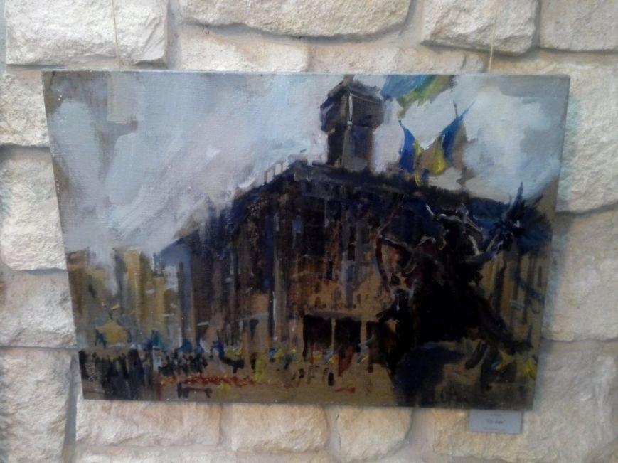 В Івано-Франківську відкрили виставку присвячену подіям на Майдані (ФОТОРЕПОРТАЖ) (фото) - фото 4