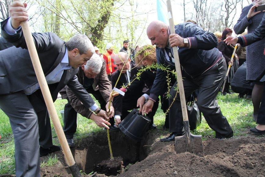 Как в Днепропетровске прошел День памяти жертв геноцида армян (ФОТОРЕПОРТАЖ) (фото) - фото 5