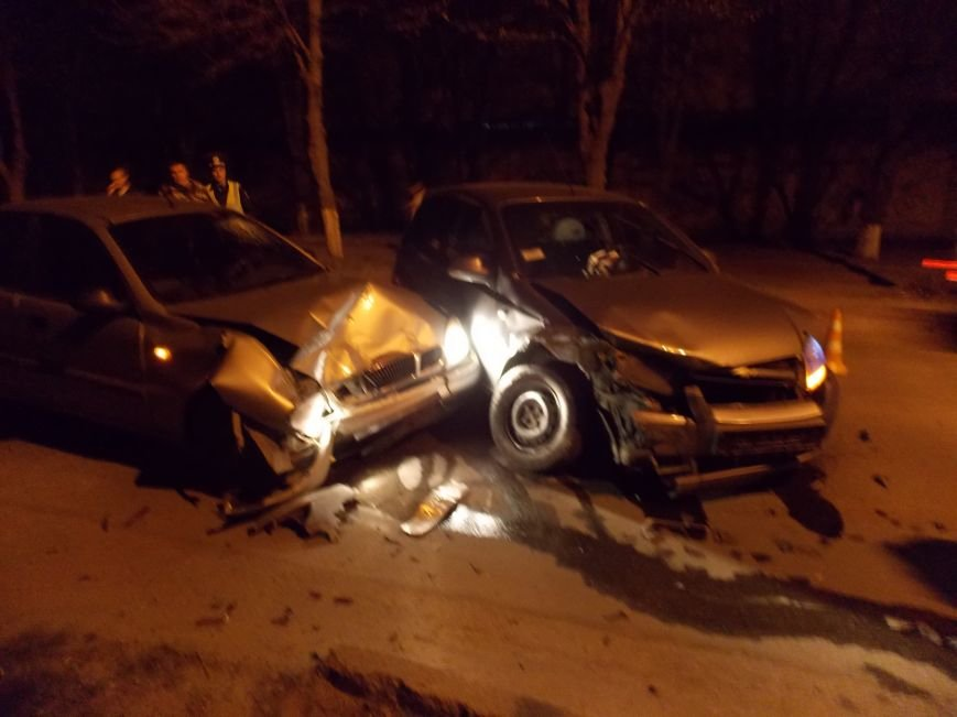 В Кировограде столкнулись два автомобиля, пострадал ребенок. ФОТО (фото) - фото 1