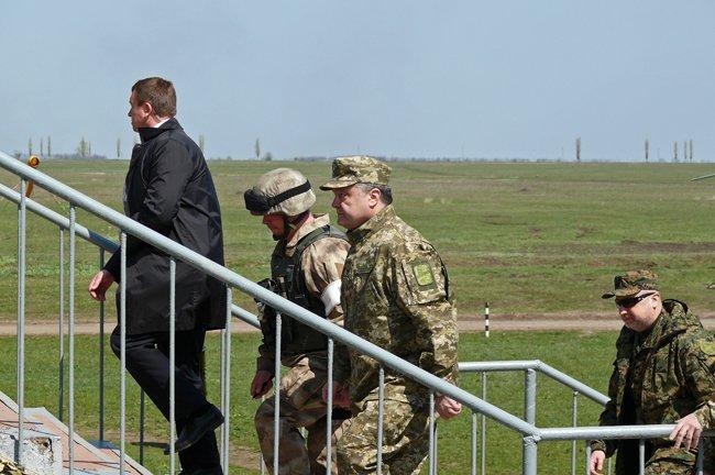Президент Украины прилетел в Николаев (ФОТО, ОБНОВЛЕНО) (фото) - фото 7