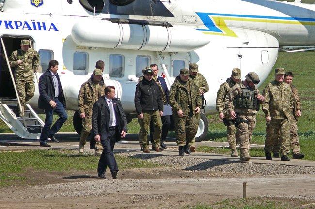 Президент Украины прилетел в Николаев (ФОТО, ОБНОВЛЕНО) (фото) - фото 6