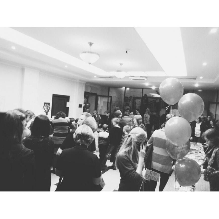 «Библионочь» в Волгограде собрала более тысячи любителей чтения (фото) - фото 1