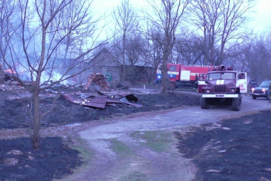 На Черниговщине за 4 часа сгорели 18 зданий (фото) - фото 1