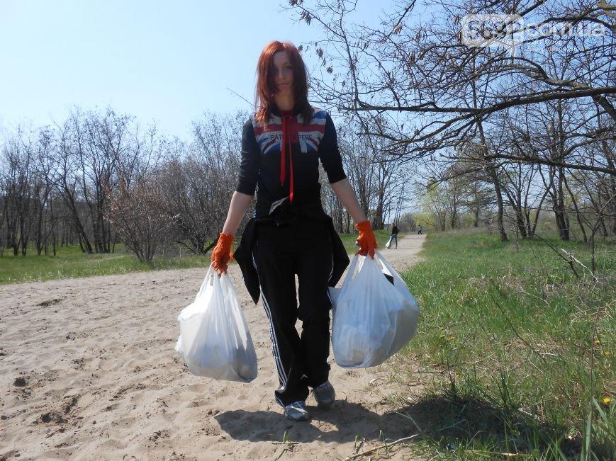 Днепродзержинцы очистили от мусора левобережный канал (фото) - фото 6