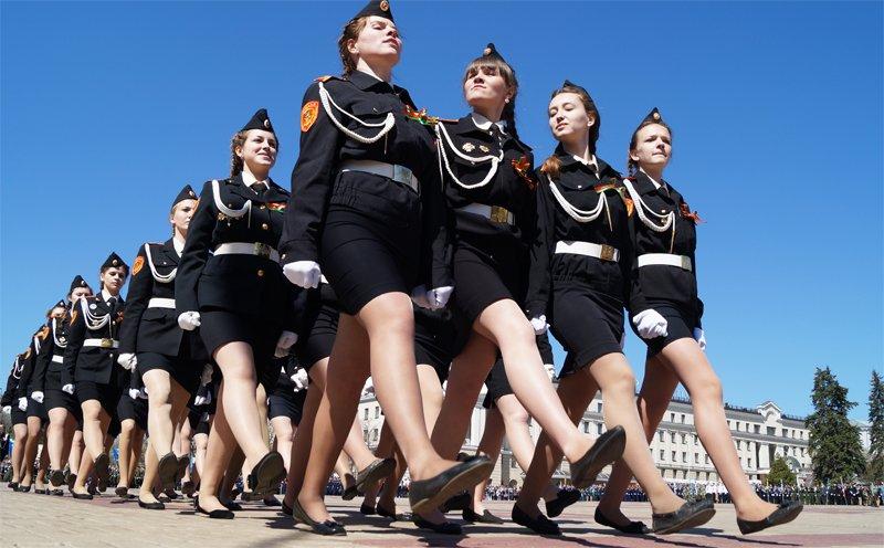 Белгородские кадеты прошли парадом по Соборной площади (фото) - фото 6