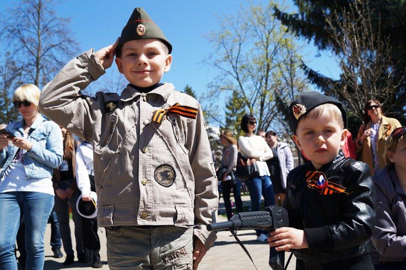 Белгородские кадеты прошли парадом по Соборной площади (фото) - фото 12