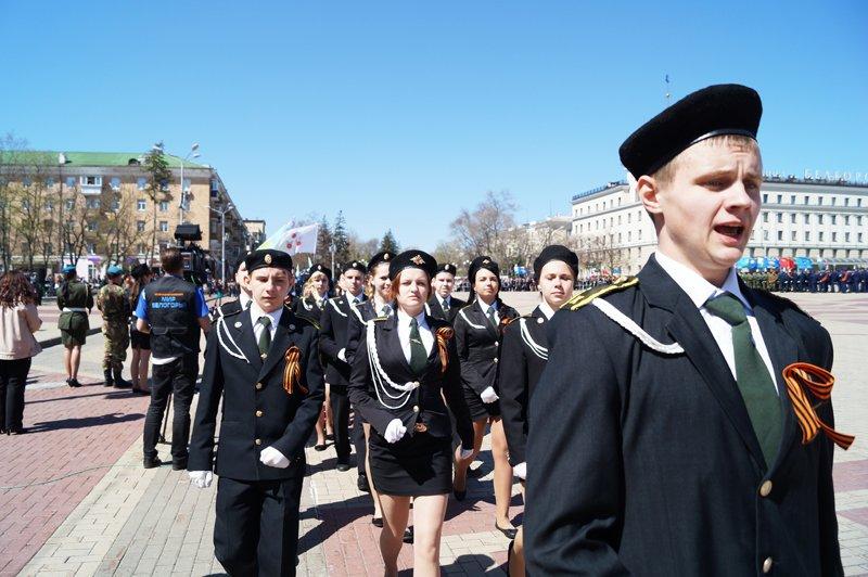 Белгородские кадеты прошли парадом по Соборной площади (фото) - фото 5