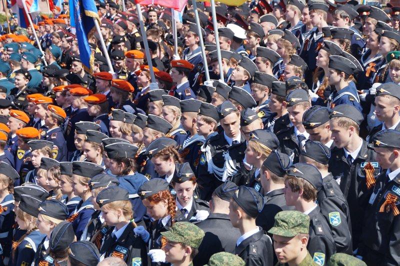 Белгородские кадеты прошли парадом по Соборной площади (фото) - фото 15