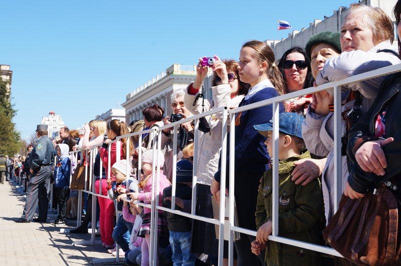 Белгородские кадеты прошли парадом по Соборной площади (фото) - фото 9