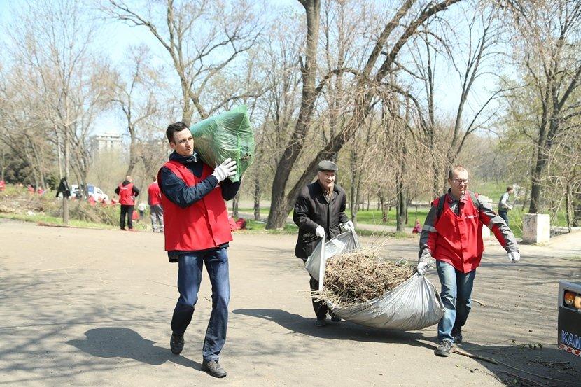 Мариупольцы устроили в городе генеральную чистку (ФОТО) (фото) - фото 1